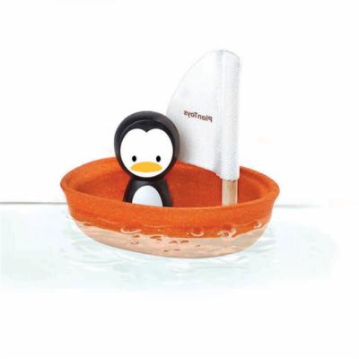 Plan Toys - Vitorlás csónak – Pingvin