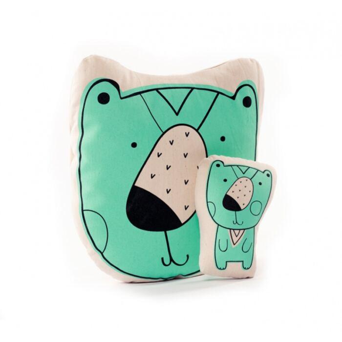 Varázspallómesék - medve párna és kis figura